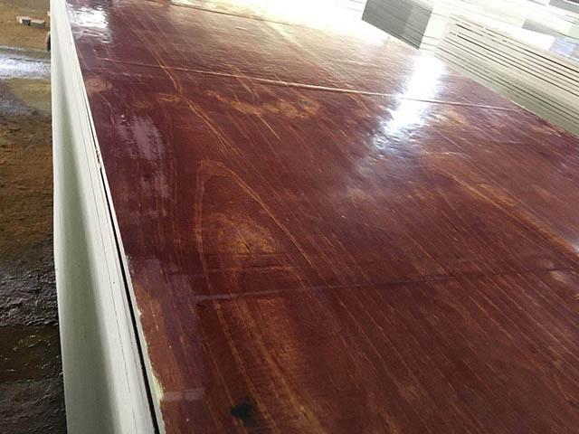 酚醛胶镜面模板是广西建筑模板厂家产量最大的模板